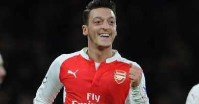 LONDON, ENGLAND - NOVEMBER 24:  Mesut Ozil celebrates scoring Arsenal's 1st goal during the match between Arsenal and Dinamo Zagreb in the UEFA Champions League on November 24, 2015 in London, United Kingdom.  (Photo by David Price/Arsenal FC via Getty Images)