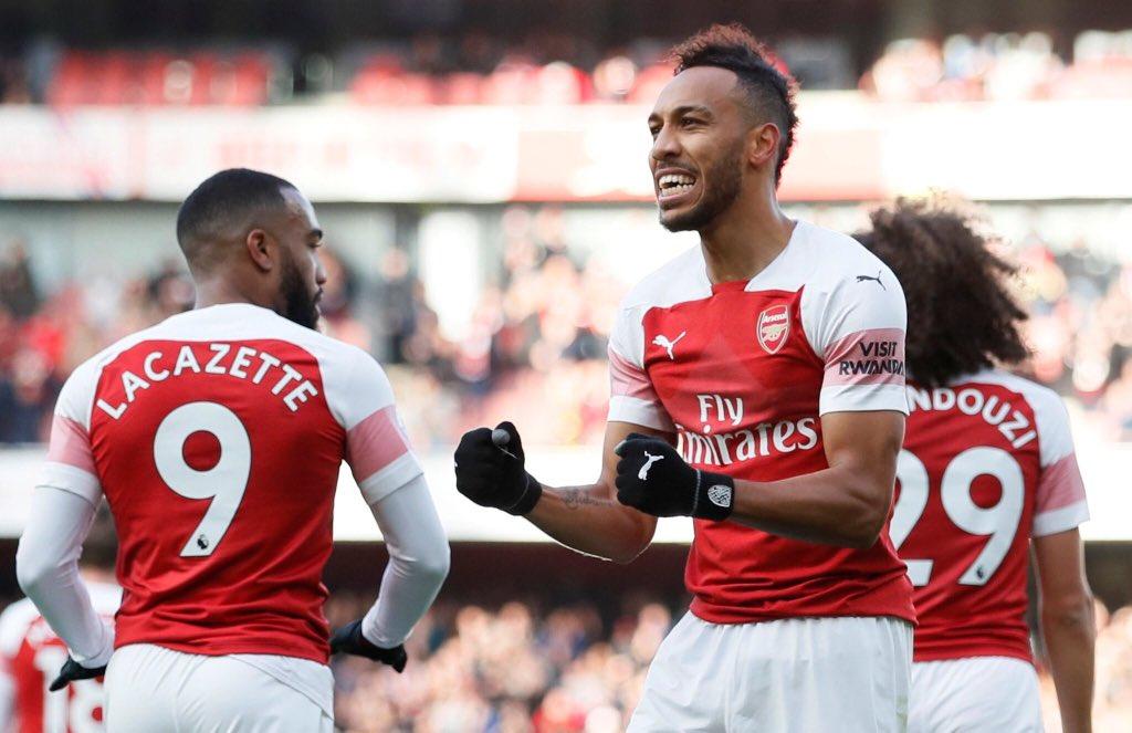 Aubameyang double la mise pour Arsenal