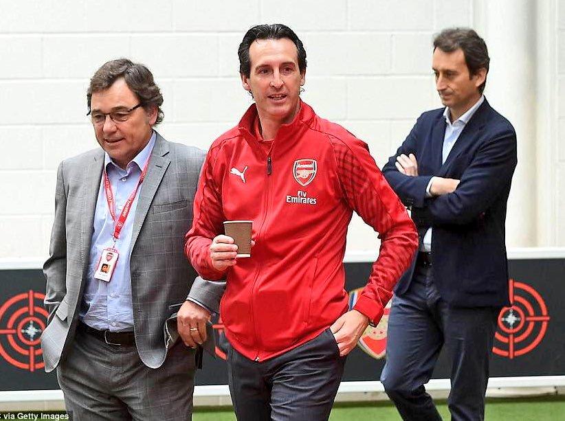 Sanllehi, Emery et Arturo Canales