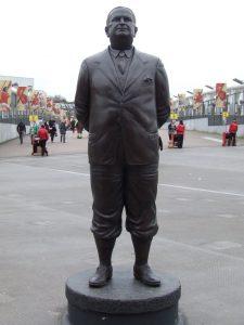 statue_chapman